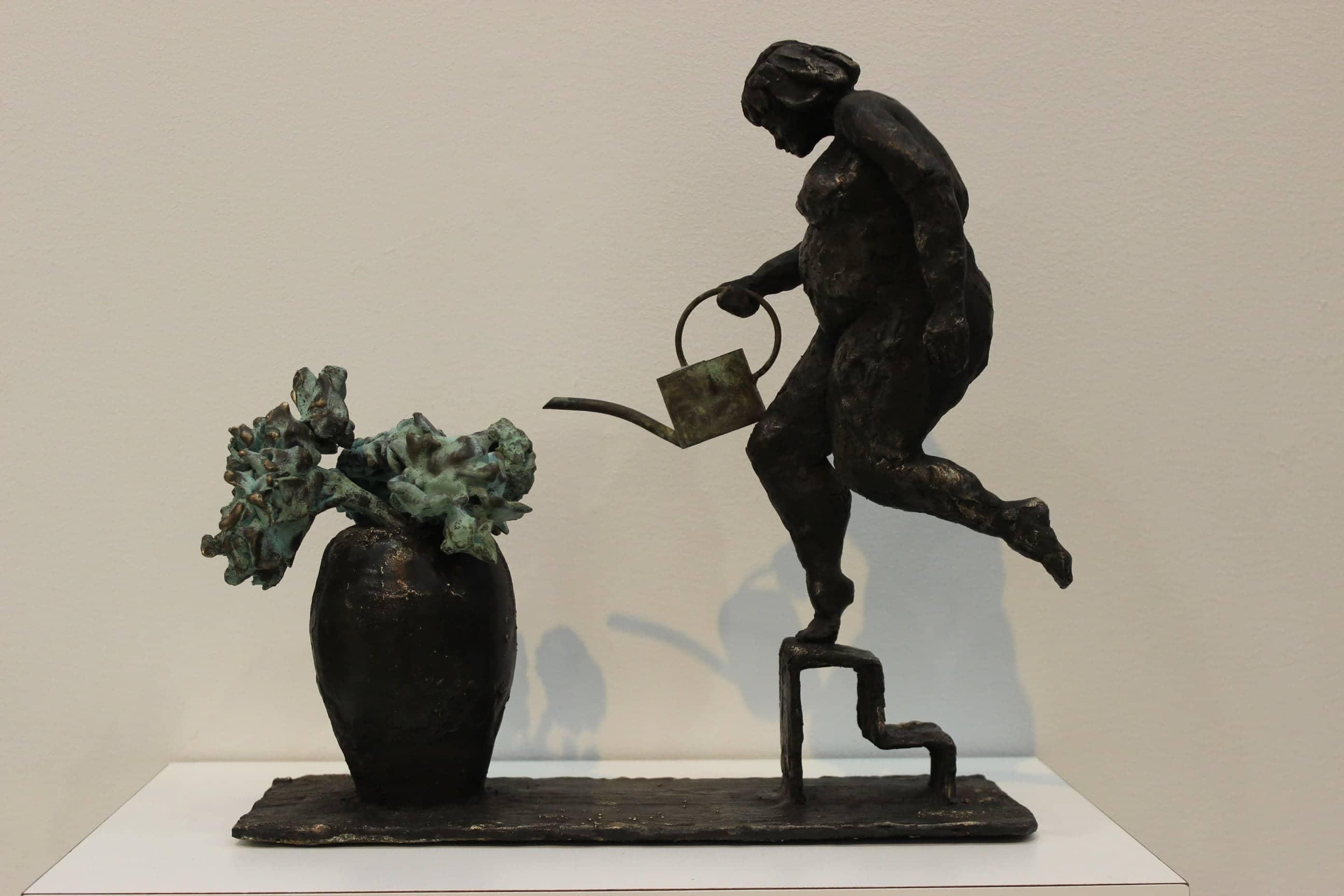 De bloemetjes buiten zetten, brons